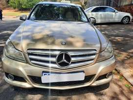 2013 Mercedes Benz C200 Blue Efficiency  leather seats and sunroof