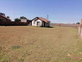 House To Rent at Dawn Park R 5 000
