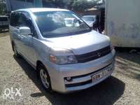 Toyota Voxy Accident free,with no dent original paint 0