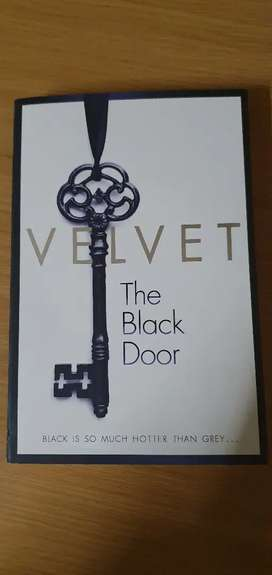VELVET - THE BLACK DOOR