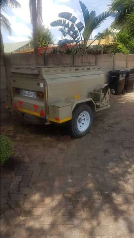 Am selling a Challenger 4x4 trailer
