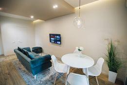 """Елітні апартаменти-студіо з дизайнерським ремонтом у ЖК """"Атлант"""""""