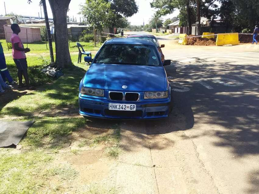 Bmw 318 is 0