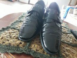 Туфли мальчиковые размер 34, лаковые