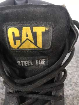 CAT safety boots