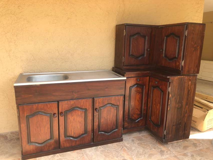 Genuine wood kitchen units with basin! 0