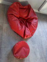 pufa czerwona z podnóżkiem