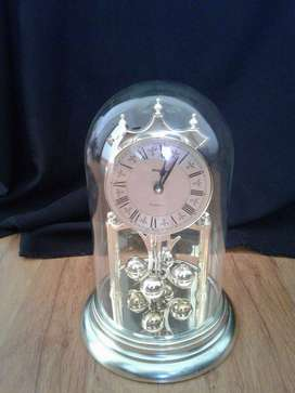 Aniversary Dome Clock (Battery with glass dome)