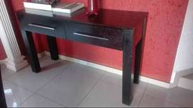 Table with two drawers