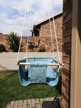 Em&Me Baby and Toddler Swing