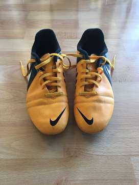 NIKE CTR360 SOCCER SHOES SIZE 5.5