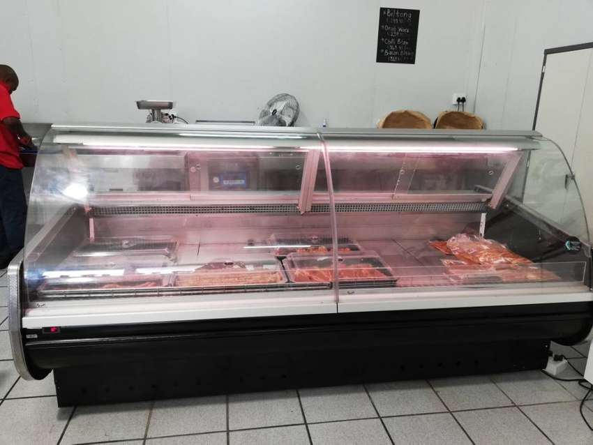 2.4m Deli Counter Display 0
