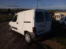 I'm selling Citroen berlingo runner