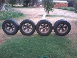 Toyota Fortuner rims and tyres