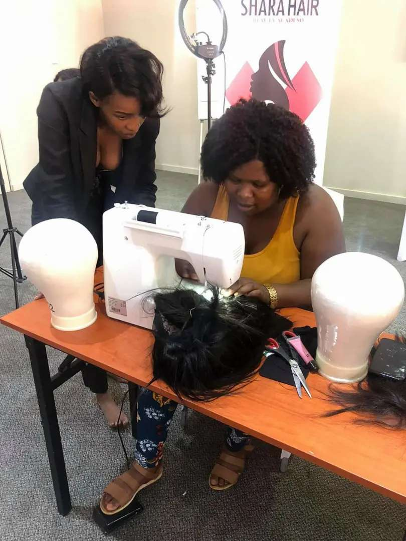 Start your own business of selling and making wigs 0