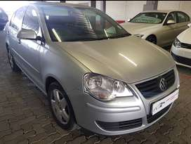 GREAT BARGAIN! VW POLO CLASSIC 1.6 COMFORTLINE UP FOR GRABS!!