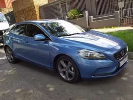 2015 VOLVO V40  D2  leather seat 2.0 Diesel