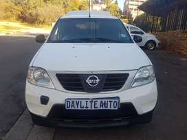 2012 Nissan Np200 1.4 with Canopy