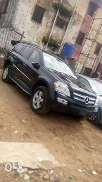 Sparkling clean Mercedes benz GL 450 4matic for sale 0
