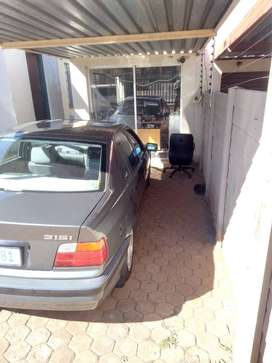 Bmw 316i, very reliable and fuel economical, engine and gearbox 100%