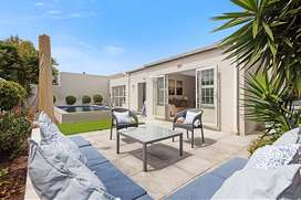 Stunning 4 bed Executive Home in Capri Village