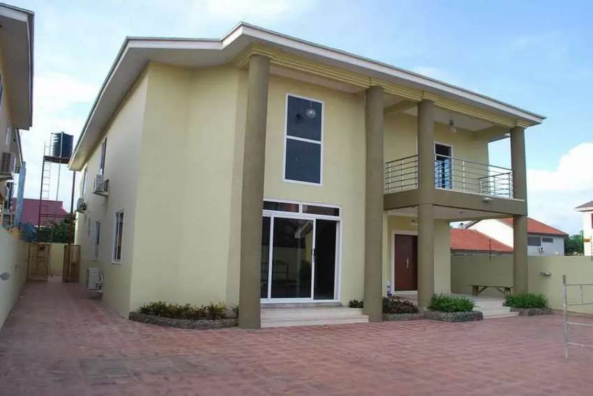 4 Bedroom Hse (Storey) For Sale in North Legon 0