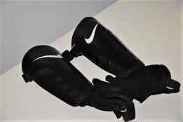 Ochraniacze Nike / Rozmiar M