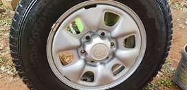 Set of four hilux rims and two tyres