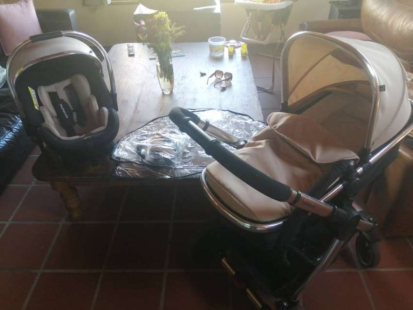Full Mothercare Travel System 0