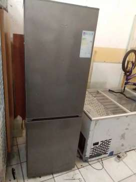 Kic fridge working condition and clean