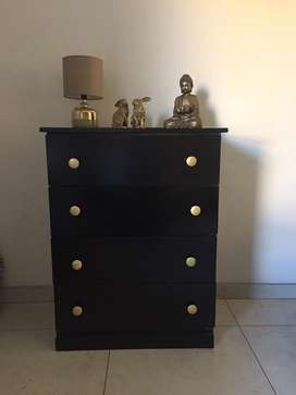 4 drawer Chest of Drawers