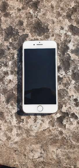 Iphone 8,  R5000 good condition white in colour. Minor scratches.