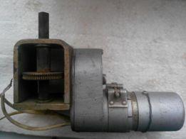 Электродвигатель д-12т