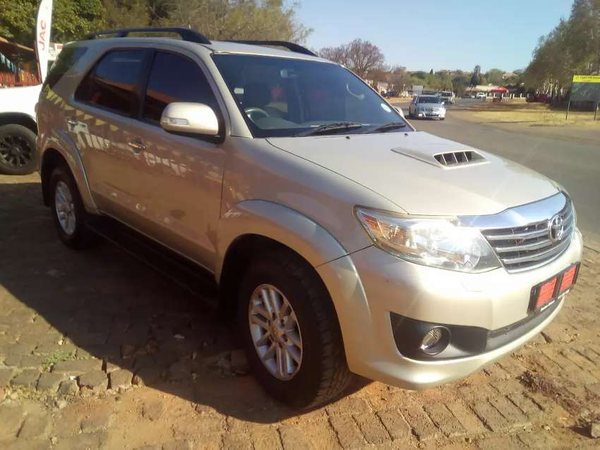 Toyota Fortuner 3.0 D4D A/T 0