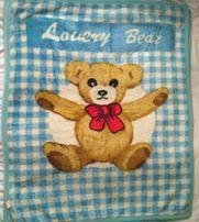 Детские одеяла, подушка, комплект постельного в кроватку.