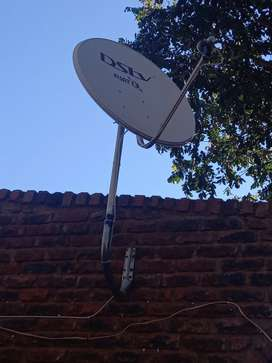 Complete  DStv dish with bracket  and 20 meter of wire
