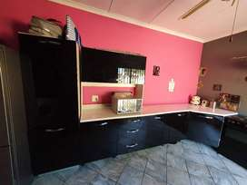 Kitchen Cupboards with oven and BIC's