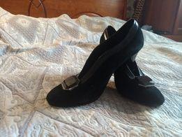 Продам шикарные черные замшевые туфли