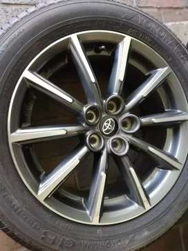 "16"" TOYOTA 86 RIMS AND TYRES"