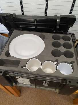 6 person crockery box