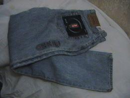 Продаются женские джинсы Levis 512 tm Slim Fit новые, с этикетками.