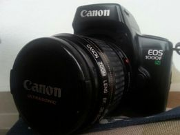 Aparat Canon EOS 1000FN obiektyw Canon EF 35-80 mm + akcesoria.