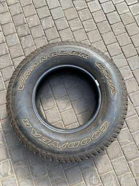 Size 16 car tyre