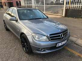 2011 Mercedes Benz  C200  With Sunroof