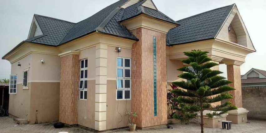 well furnished 3 bedroom bungalow at owode Ede for sale 0