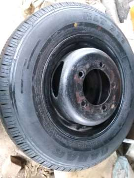 Kia k2700 12inch riim with brand new tyre