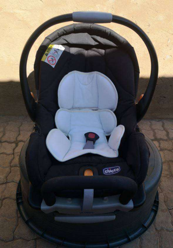 Baby Car Seat -  Chicco 0