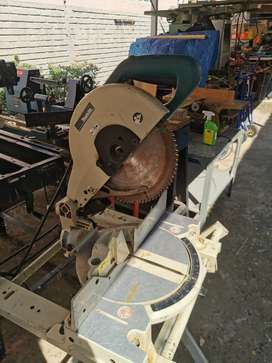 Makita Ls1040 Mitre Saw with stand