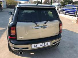 Mini cooper S, d, car is very neat and has full his