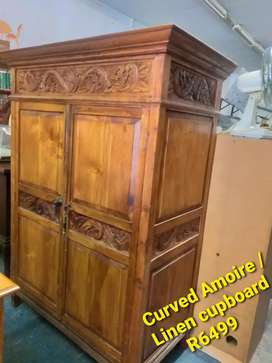Curved Amoire/linen cupboard